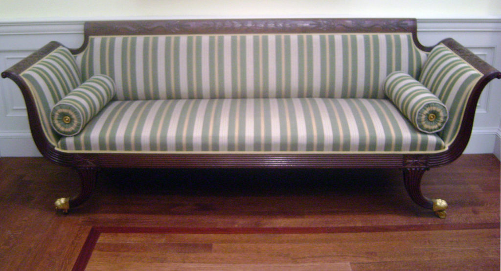 1280px-Federal_Settee